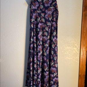 Large - LulaRoe Maxi Skirt
